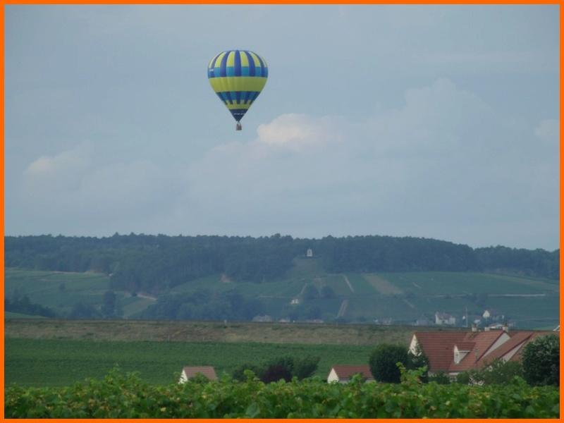 un ballon dans le ciel hier matin Beaune15