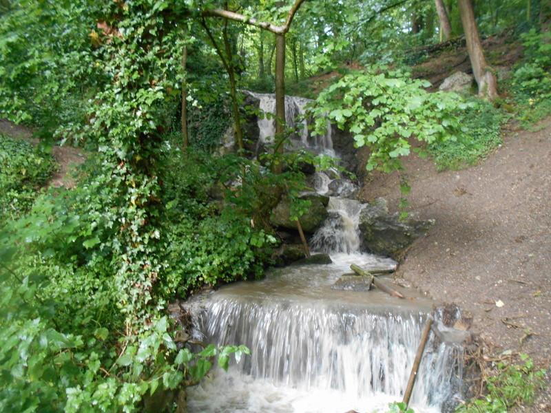 Cascade de périgny sur yerres ( coté essonne ) Dscn0825
