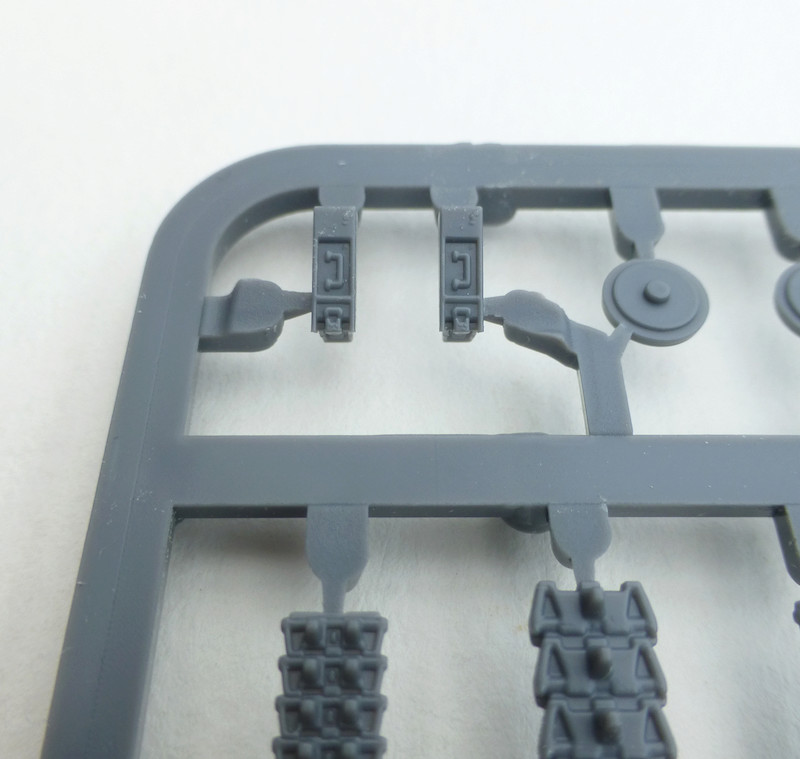 Kingtiger - Revell - 1/72 - Page 3 Outils10