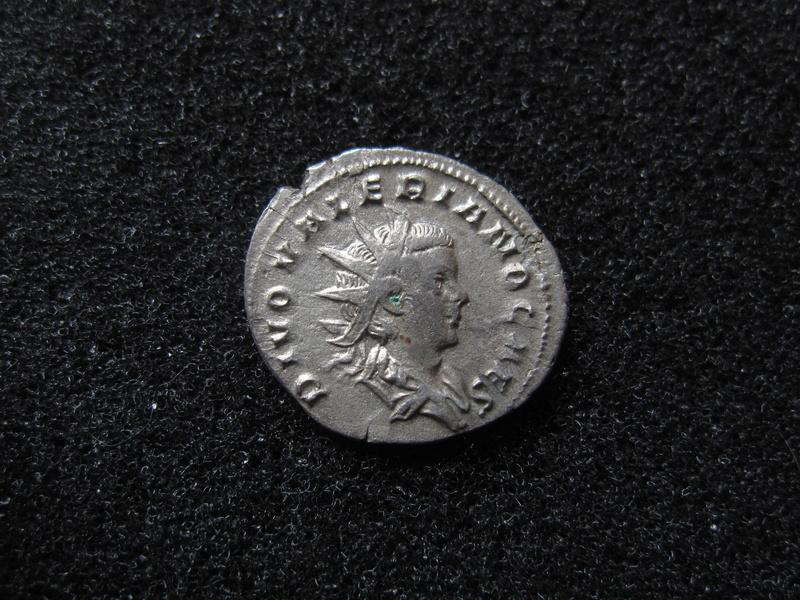 antoninien valerien II (pas courant celui la) Img_1613