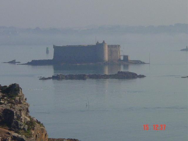 La baie de Morlaix  et le Chateau du Taureau Dsc03110