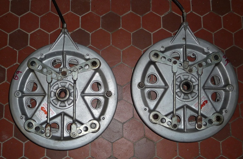 Deux cylindres ,trois roues - Page 2 P1120812