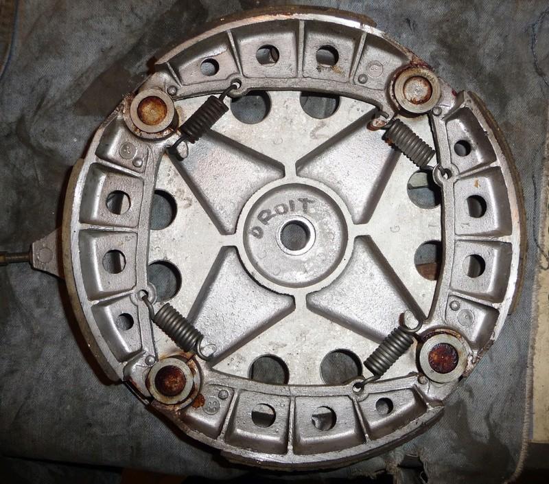 Deux cylindres ,trois roues - Page 2 P1130511