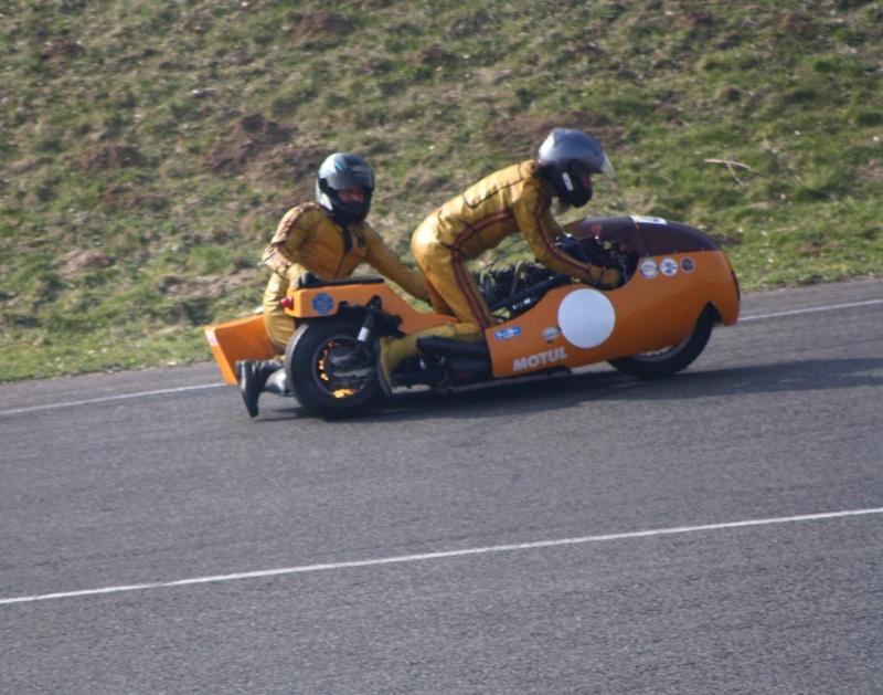 Deux cylindres ,trois roues Trophe11