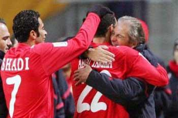 جوزيه يطالب اللاعبين بحسم الدوري ونسيان امر برشلونة Jose-t10