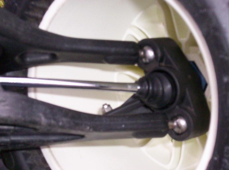 Autopsie et Préparation d'un Thunder Tiger MTA4 S28. 100_0630