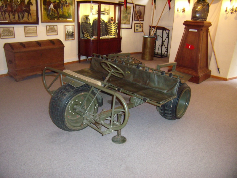 AS 24 tricycle Belge Para-commando . Belgiq10