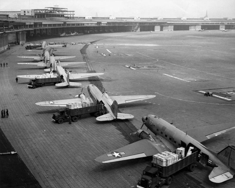 Hangar & tarmac du NACA, 1940's/50's (1:72) 1280px10