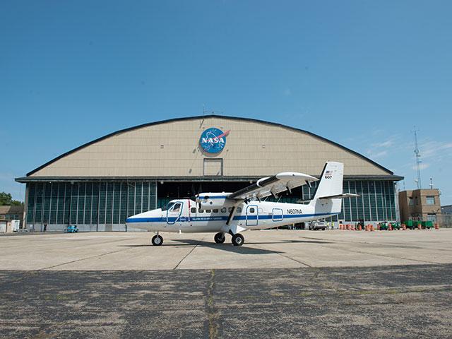 Hangar & tarmac du NACA, 1940's/50's (1:72) Grc-2011
