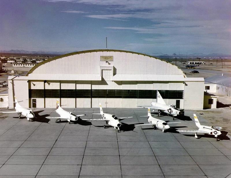 Hangar & tarmac du NACA, 1940's/50's (1:72) Naca_x10