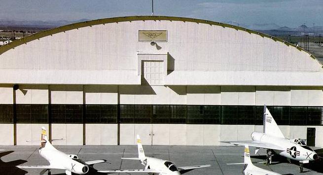 Hangar & tarmac du NACA, 1940's/50's (1:72) Naca_x14