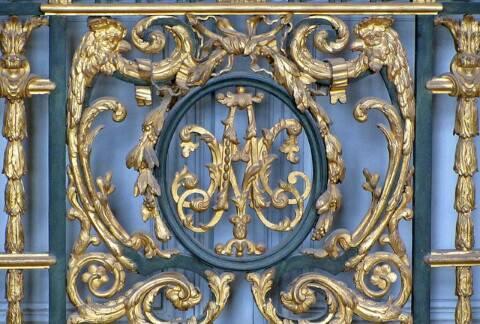 Le monogramme ou chiffre de Marie-Antoinette - Page 4 20638310