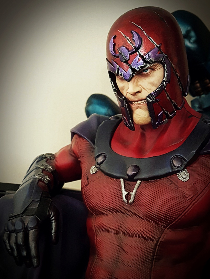 Premium Collectibles : Magneto on Sentinel Throne - Page 23 Cymera10