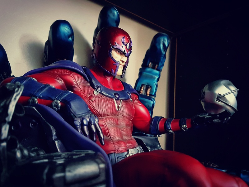 Premium Collectibles : Magneto on Sentinel Throne - Page 23 Img_2011