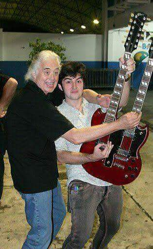 JIMMY PAGE - Page 16 Page910