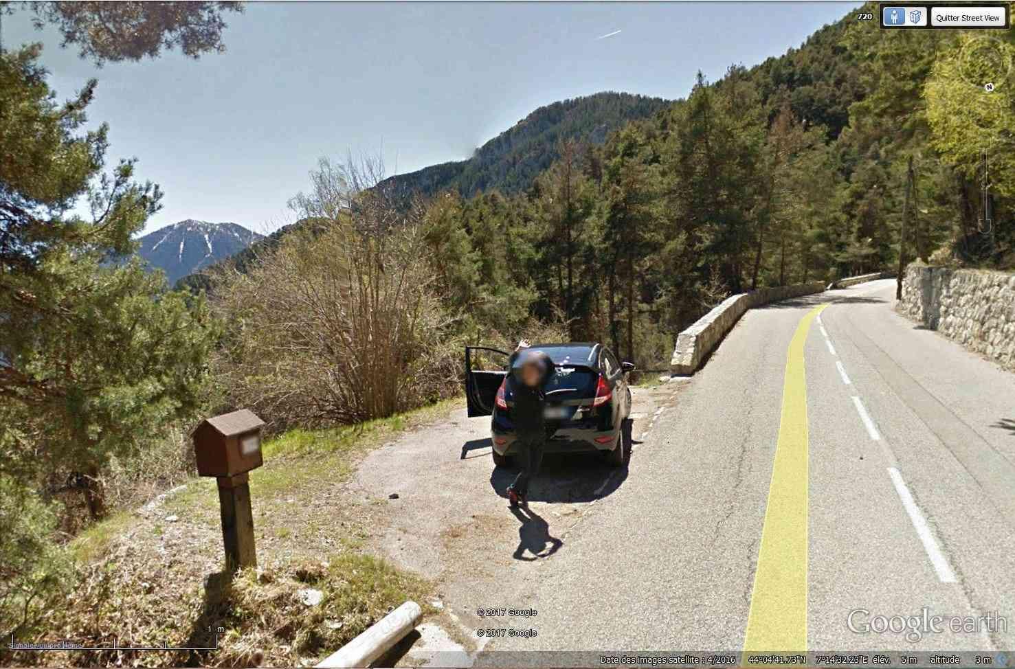 STREET VIEW : un coucou à la Google car  - Page 40 Tsge_246