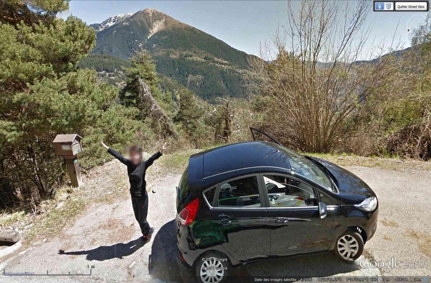 STREET VIEW : un coucou à la Google car  - Page 40 Tsge_247
