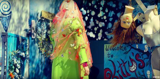 PRAYING -Orando- (Kesha) Rou70