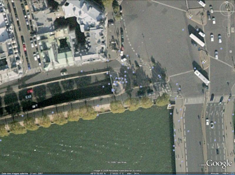 Statue de la Liberté = les répliques découvertes grâce à Google Earth Alma10