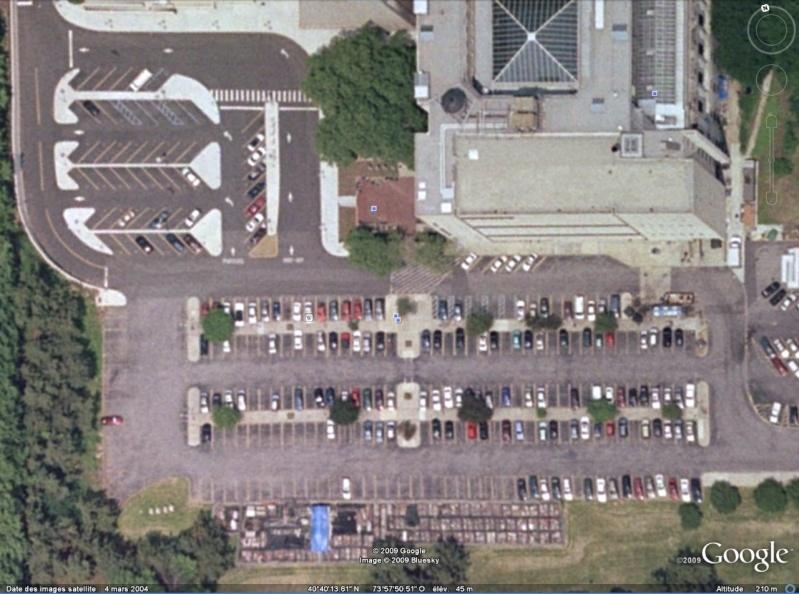 Statue de la Liberté = les répliques découvertes grâce à Google Earth - Page 2 Brookl10