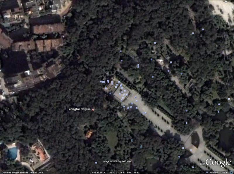 Statue de la Liberté = les répliques découvertes grâce à Google Earth - Page 3 Chine10