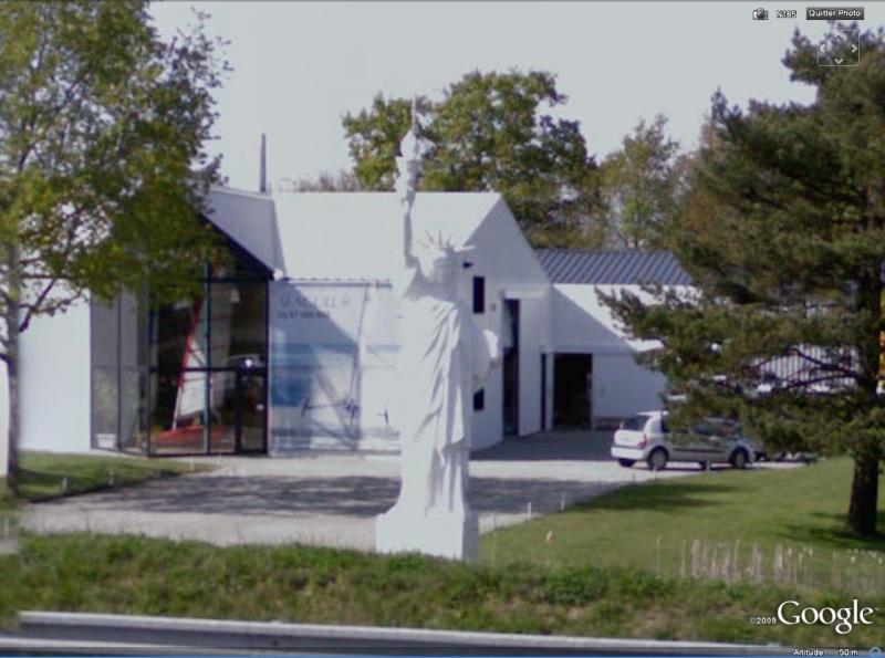 Statue de la Liberté = les répliques découvertes grâce à Google Earth - Page 2 Ploere10