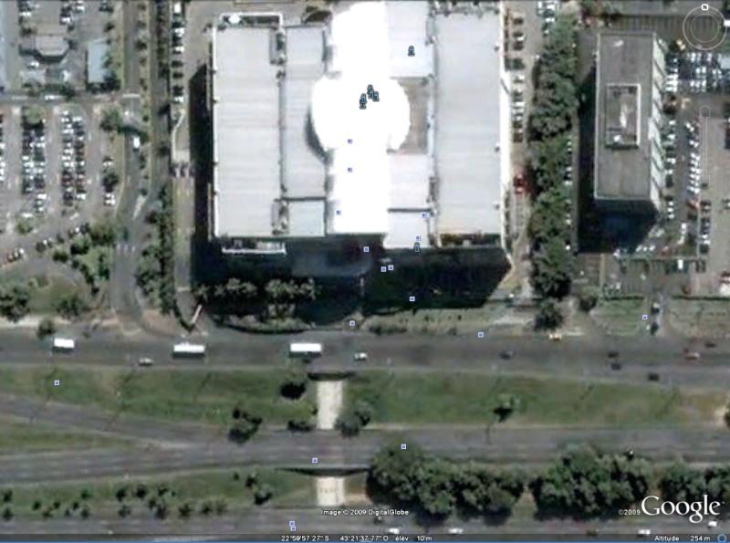 Statue de la Liberté = les répliques découvertes grâce à Google Earth - Page 2 Rio12