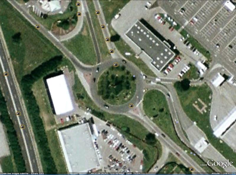 Statue de la Liberté = les répliques découvertes grâce à Google Earth Slbare10