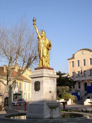 Statue de la Liberté = les répliques découvertes grâce à Google Earth Slstcy11