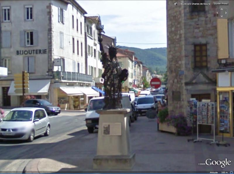 Statue de la Liberté = les répliques découvertes grâce à Google Earth - Page 2 St_aff10