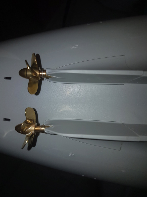 Cuirassé USS Missouri - BB63 - Trumpeter 1/200 + Motorisation... 20170714