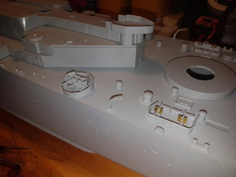 Cuirassé USS Missouri - BB63 - Trumpeter 1/200 + Motorisation... 20170817