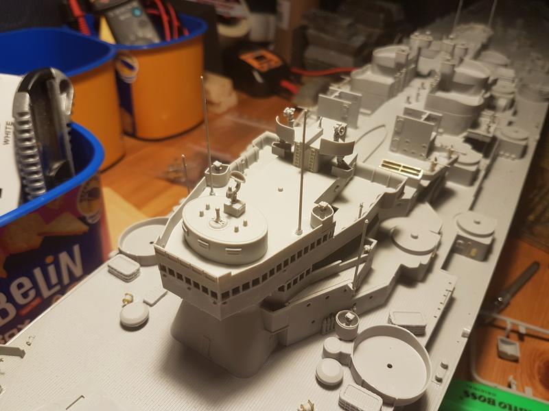 Cuirassé USS Missouri - BB63 - Trumpeter 1/200 + Motorisation... 20170821