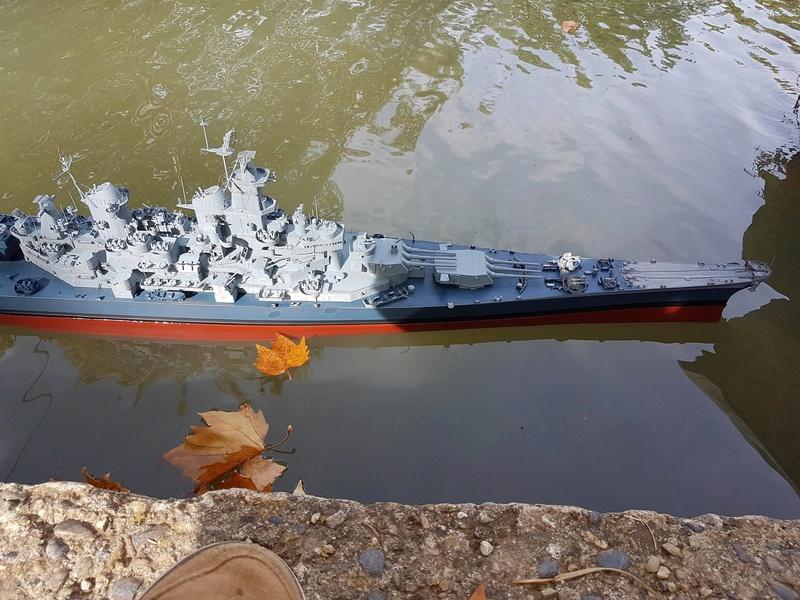 Cuirassé USS Missouri - BB63 - Trumpeter 1/200 + Motorisation... 21216010