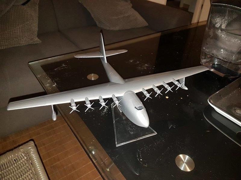 Hughes H-4 Hercules au 1/200  21397210