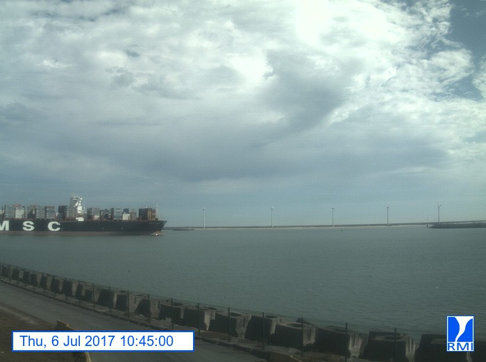 Photos en direct du port de Zeebrugge (webcam) - Page 64 Zeebru15