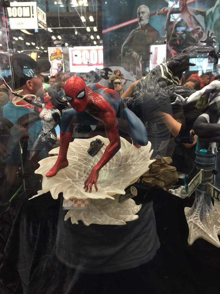 "SPIDER-MAN ""MARK BROOKS"" Statue 22196312"
