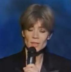 Août 1992 - Françoise Hardy rend hommage à Michel Berger (Télé 7J) - 2 Captur24