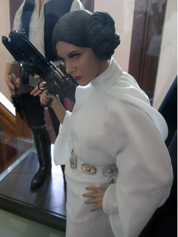 Sideshow Collectibles - Leia 1/4 Premium Exclusive Edition 00320