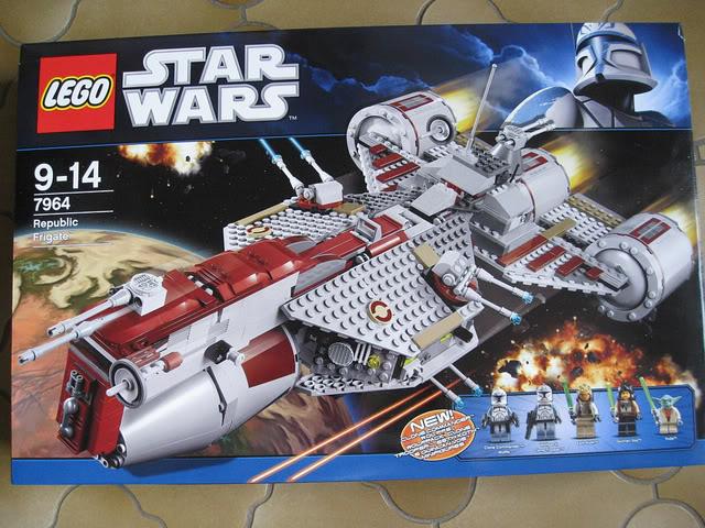 LEGO STAR WARS - 7964 - Frégate de la république 01121