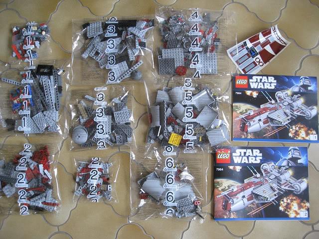 LEGO STAR WARS - 7964 - Frégate de la république 03105