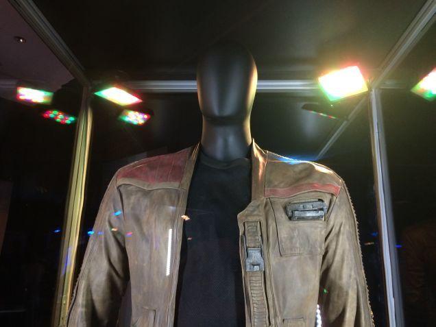 7 - Costumes & Maquettes Star Wars Le Réveil de la Force 0857