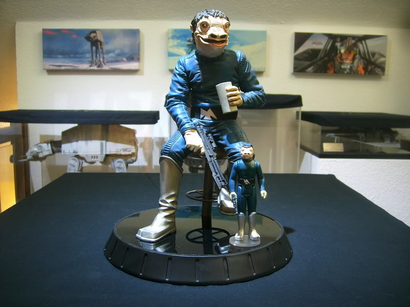 Gentle Giant - PGM Exclusive Blue Snaggletooth Statue - Page 2 11101010