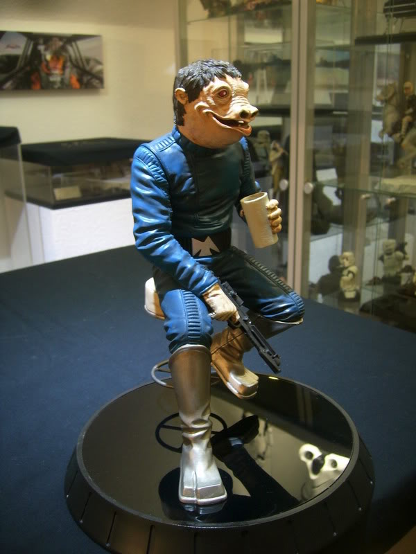 Gentle Giant - PGM Exclusive Blue Snaggletooth Statue - Page 2 11101013