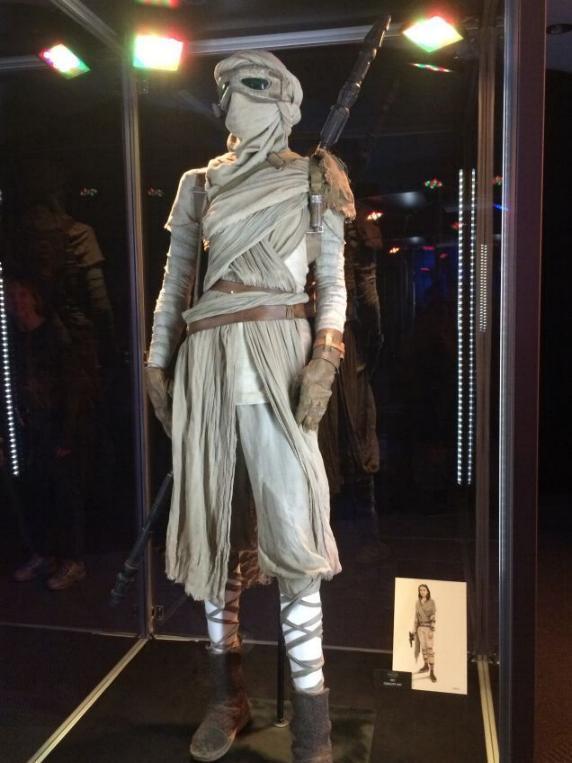 7 - Costumes & Maquettes Star Wars Le Réveil de la Force 1248
