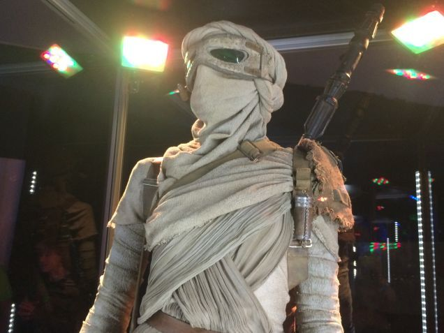 7 - Costumes & Maquettes Star Wars Le Réveil de la Force 1347