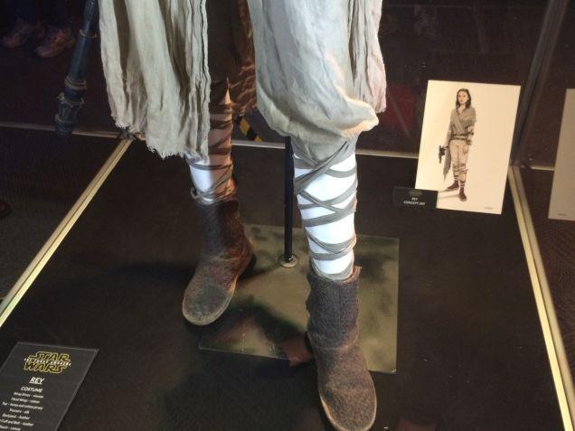7 - Costumes & Maquettes Star Wars Le Réveil de la Force 1536