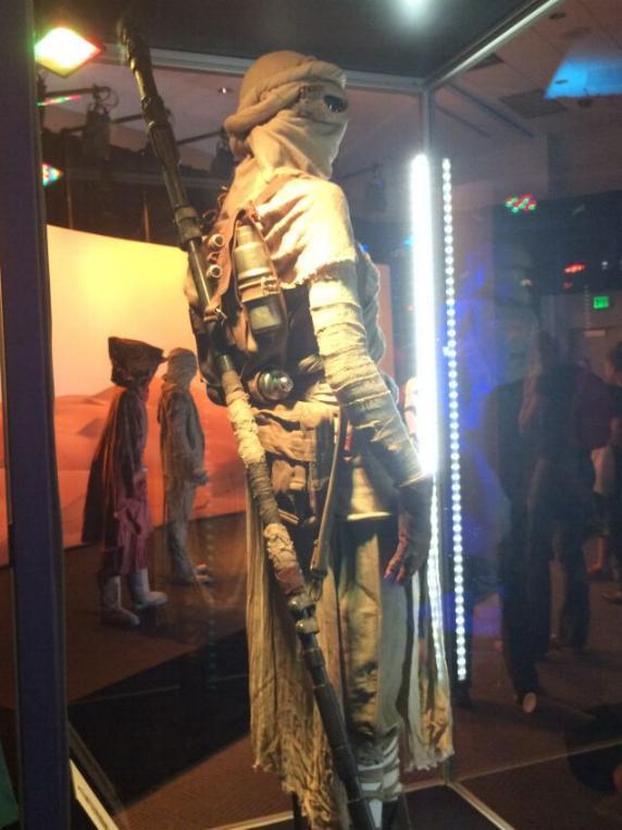 7 - Costumes & Maquettes Star Wars Le Réveil de la Force 1632