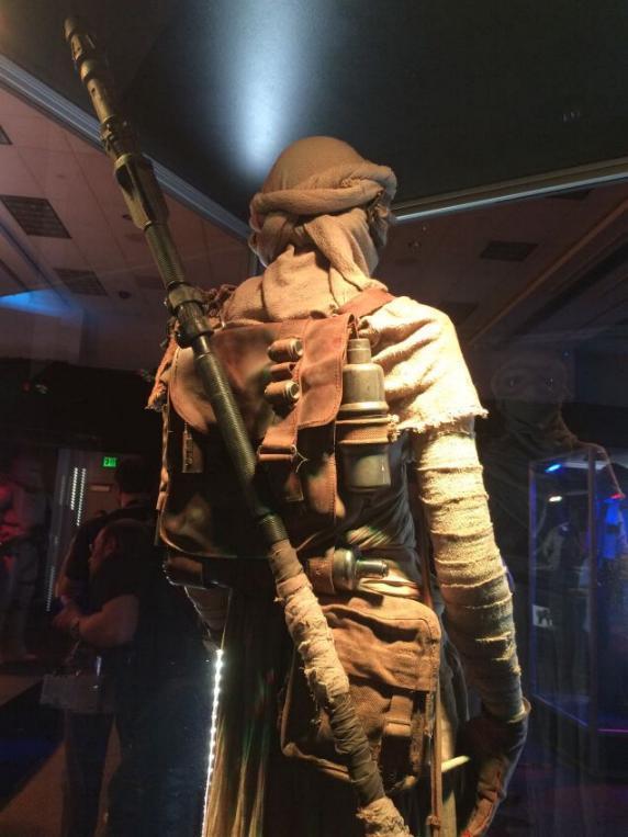 7 - Costumes & Maquettes Star Wars Le Réveil de la Force 1729