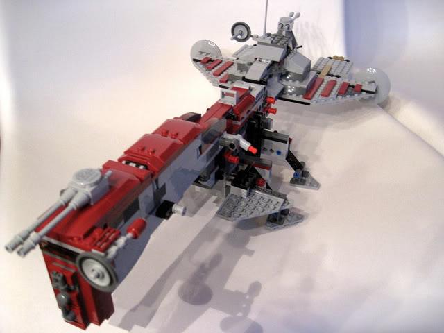 LEGO STAR WARS - 7964 - Frégate de la république 1923